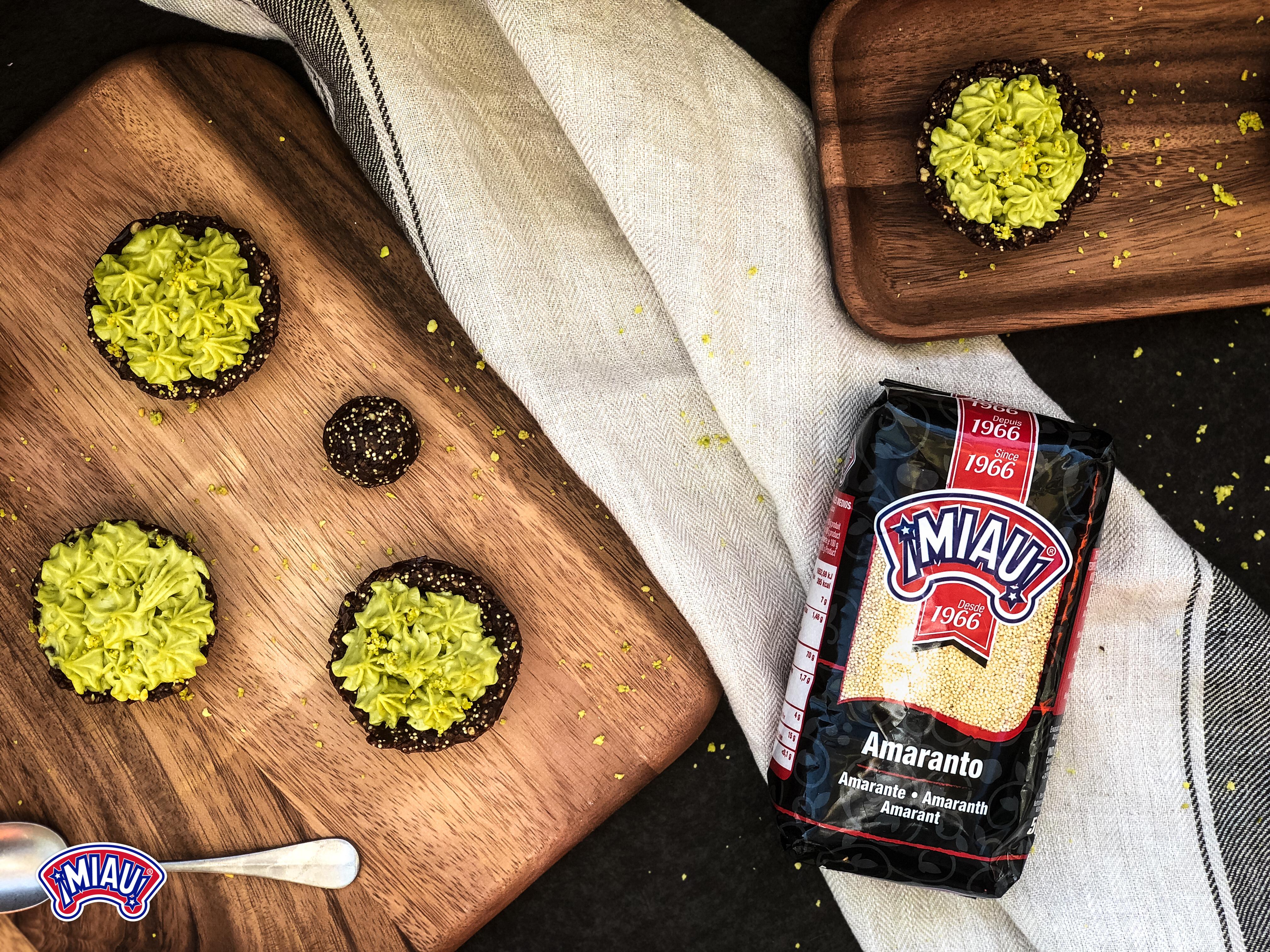 Tartaletas con crema de pistachos y aguacate