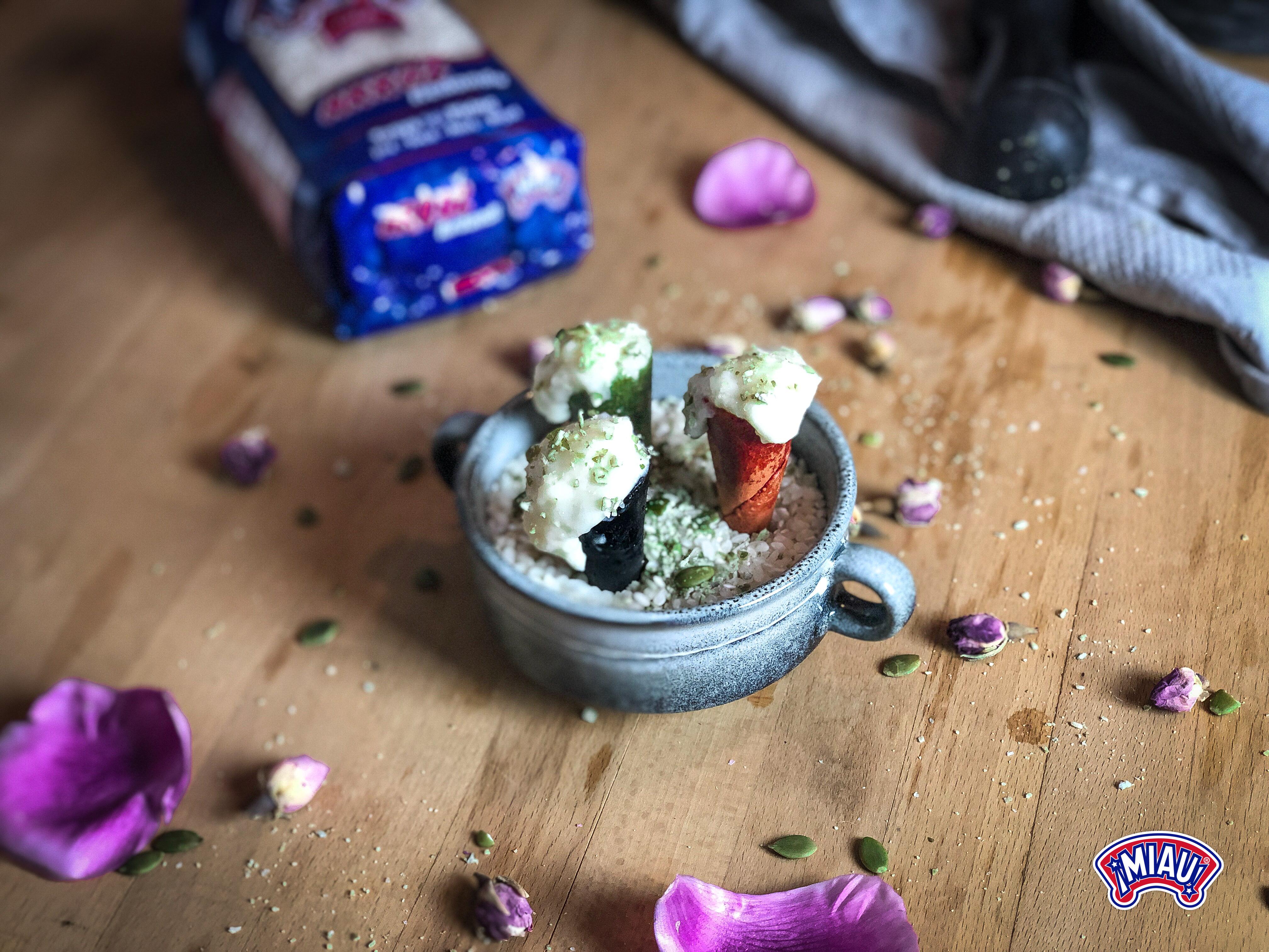 cucuruchos de arroz con leche y parmesano